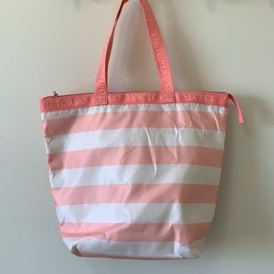 Victoria Secret coolerbeach bag like new condition